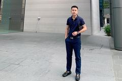 'Bí quyết sinh tồn' mùa dịch của ông chủ cửa hàng điện thoại ở Hà Nội