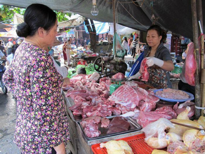 Thu nhập giảm nhưng người Việt ăn thịt, uống bia nhiều hơn