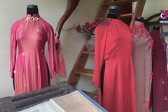 Vietnamese traditional dress on display at museum