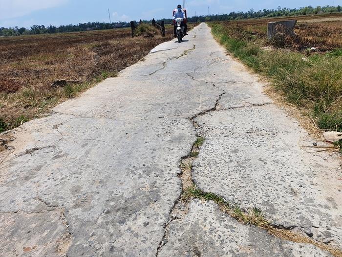 Hàng trăm người dân ở Quảng Nam tha thiết xin hiến đất mở đường