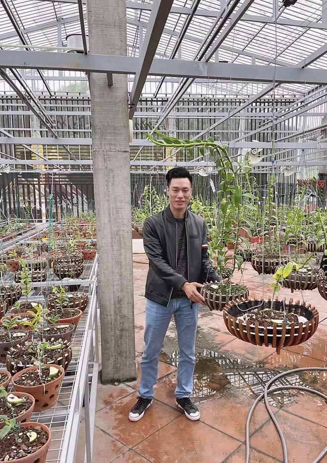 Người đàn ông sở hữu 3 vườn lan quý ở 3 tỉnh