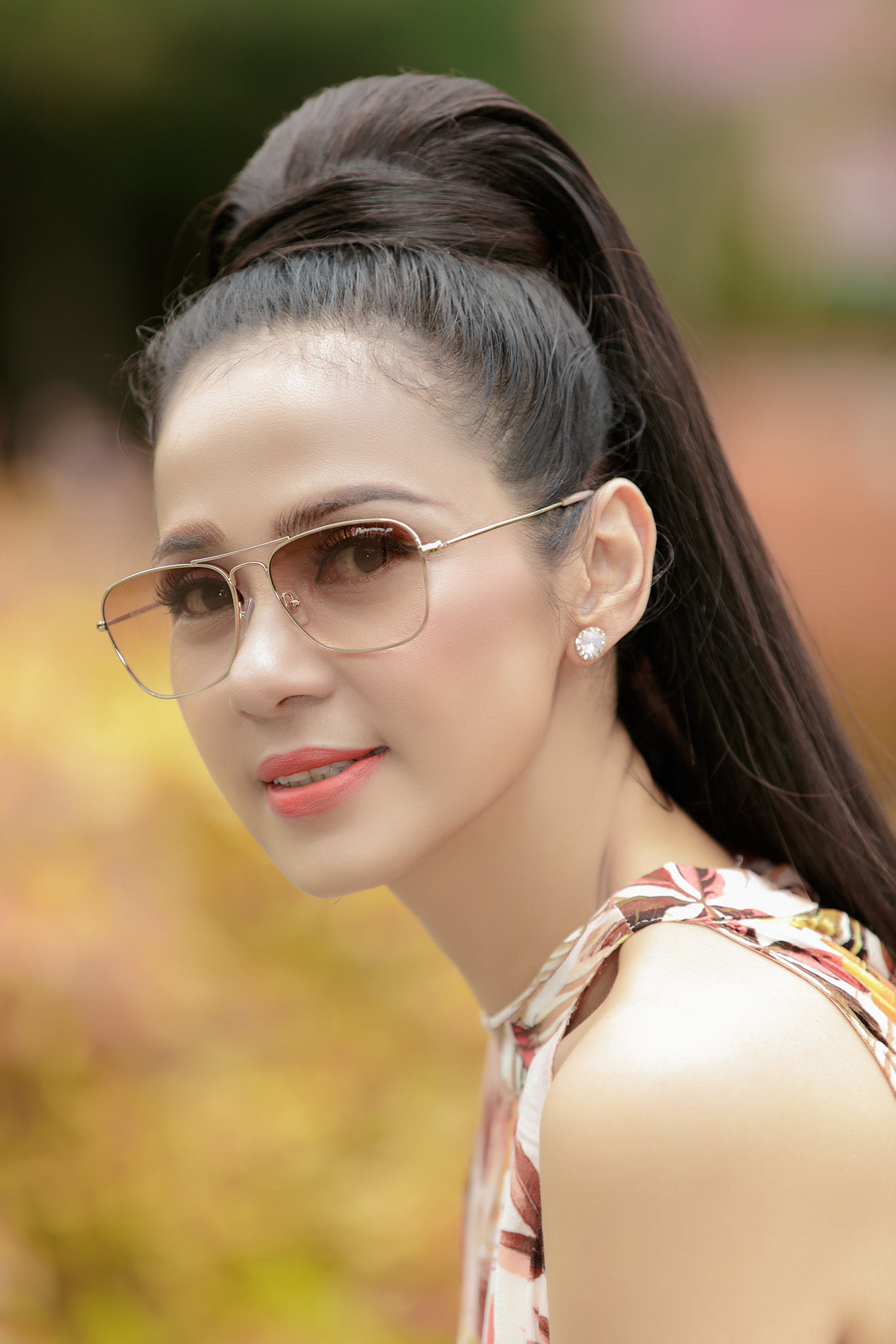 Đời thường trẻ trung tuổi 49 của diễn viên Việt Trinh