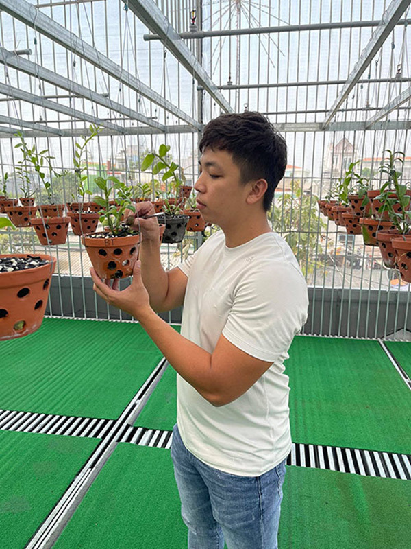 Ông chủ vườn lan 9x: 'Chơi lan cũng là cả một nghệ thuật và sự kì công'