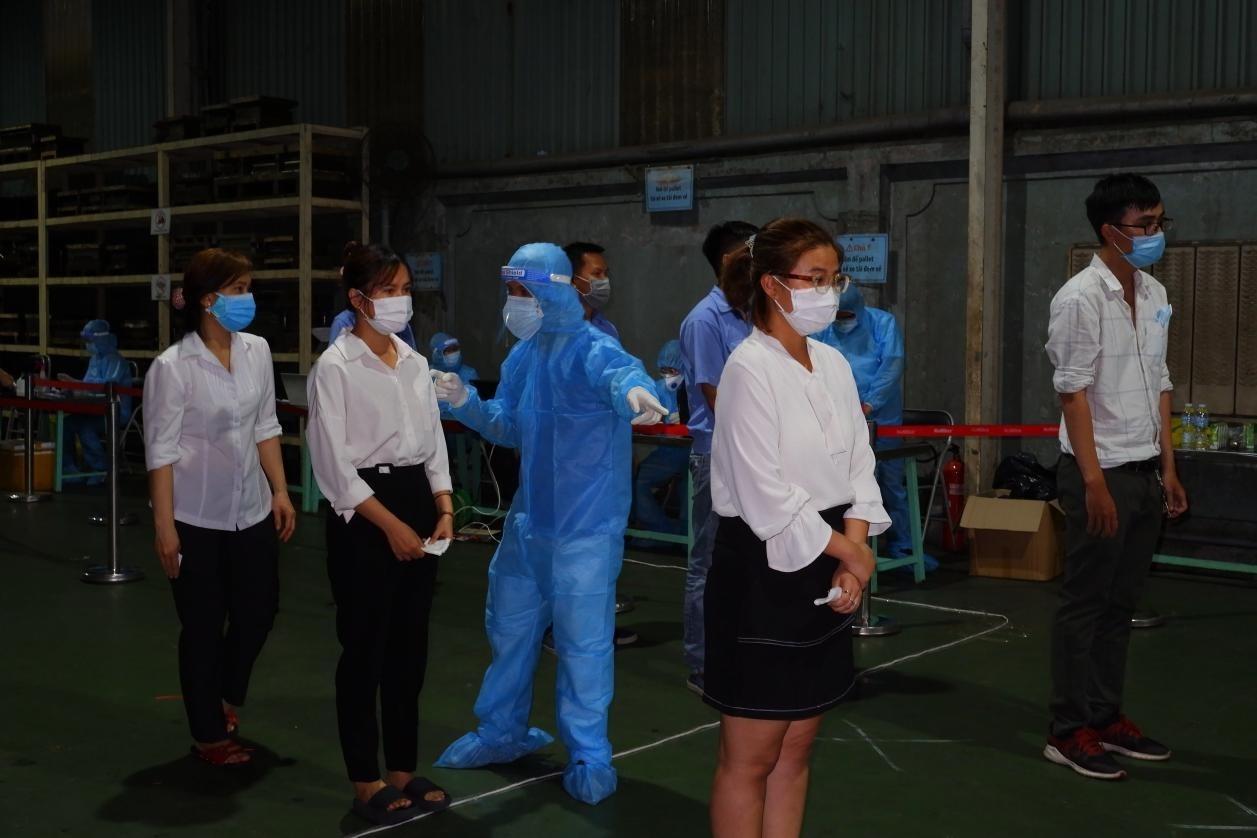 Phong tỏa công ty ở KCN Tân Bình, lấy mẫu xét nghiệm 700 công nhân