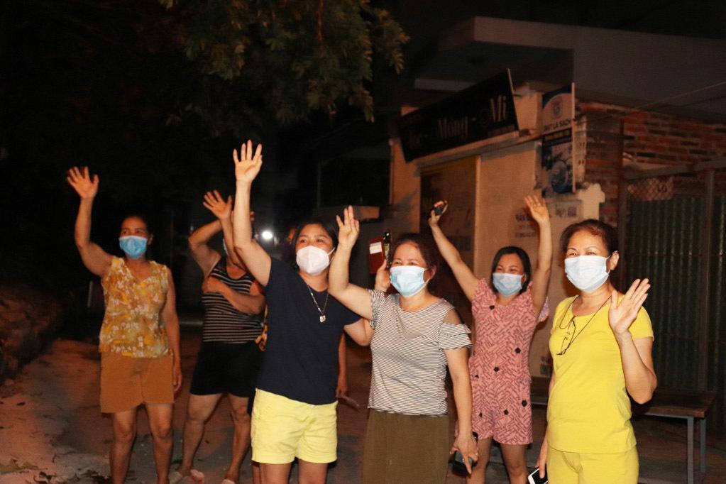 90 hộ dân ở Hạ Long vui mừng khi được dỡ phong toả