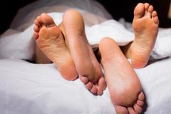Đang ân ái, người đàn ông nhận ra đối tác không phải vợ mình