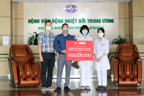 Kingsport dành 800 triệu đồng quà và tiền mặt tiếp sức đội ngũ y tế tuyến đầu chống dịch