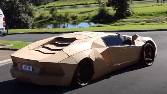 Bản sao Lamborghini có thể lái được làm từ bìa carton được bán với giá 10.000USD