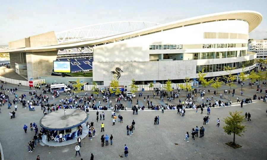 Chelsea vs Man City: Mọi ánh mắt đều hướng về 'Hang rồng'