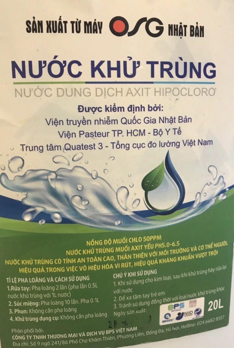Sân bay Nội Bài lên tiếng vụ khách tố dung dịch rửa tay sát khuẩn là nước lã
