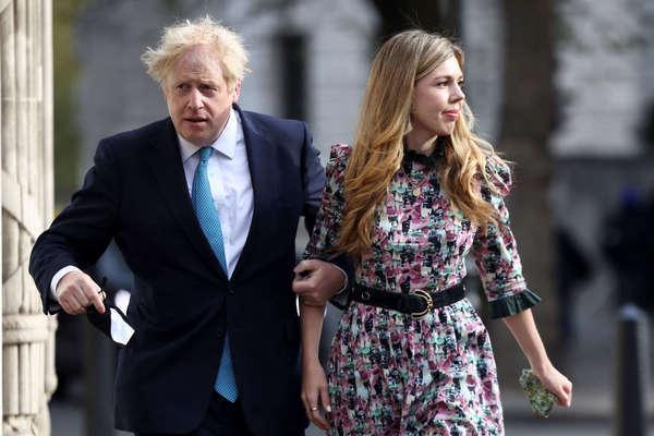 Thủ tướng Anh bí mật kết hôn với bạn gái