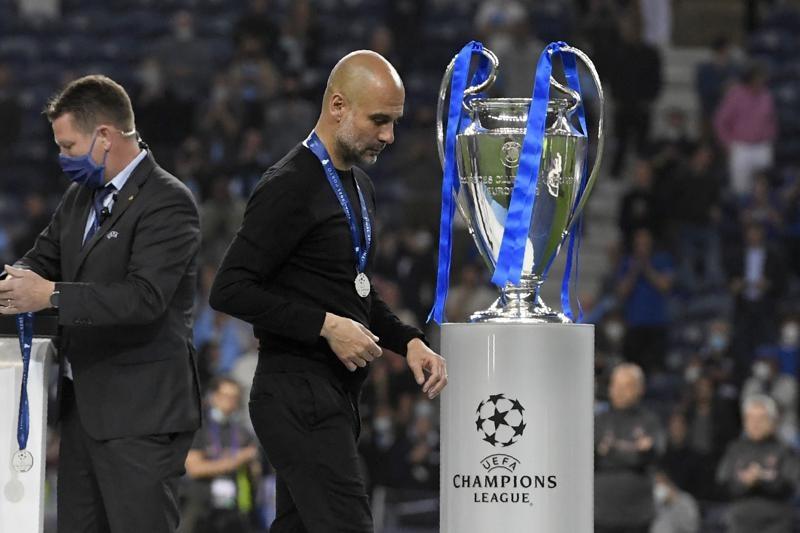 Sếp bự Man City tuyên bố nóng, Pep Guardiola ngồi rung đùi