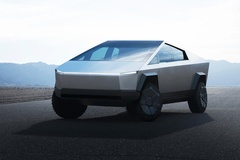 Tesla Cybertruck có thể di chuyển gần 1.000 km