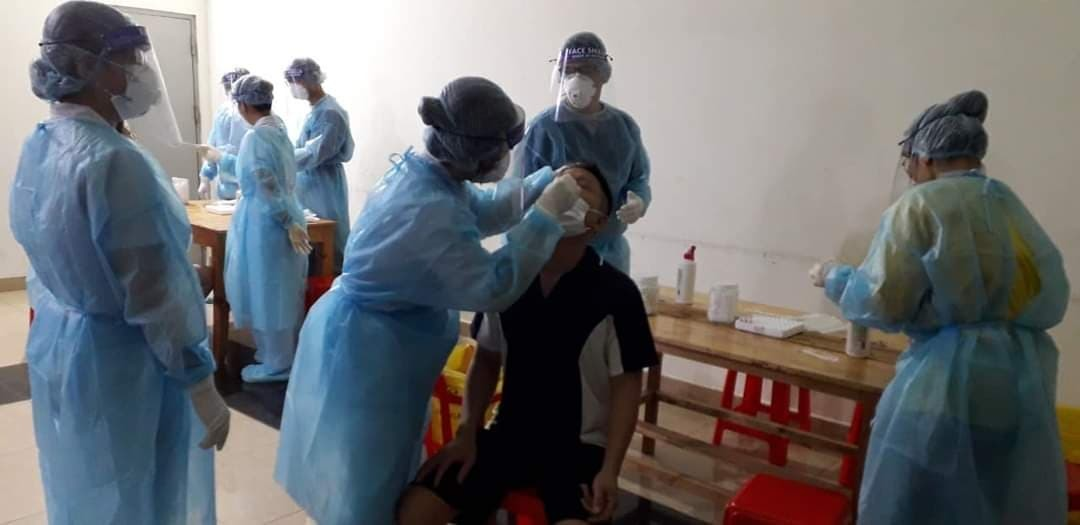 Phong tỏa chung cư Hưng Ngân vì ca nghi nhiễm Covid-19 liên quan Hội thánh