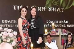Bà Phương Hằng livestream, tiết lộ con gái bị trầm cảm đến nỗi bỏ học