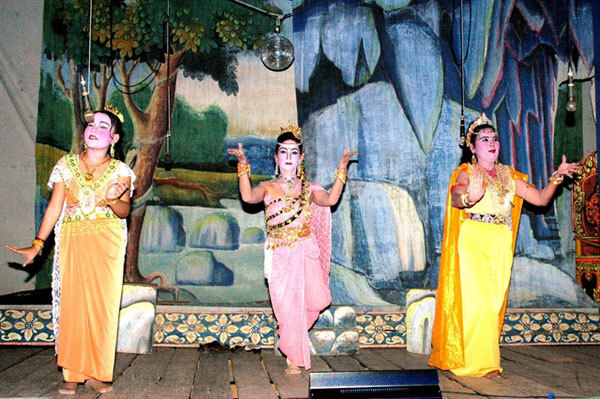 Newprojectpreserves ethnic literature and arts