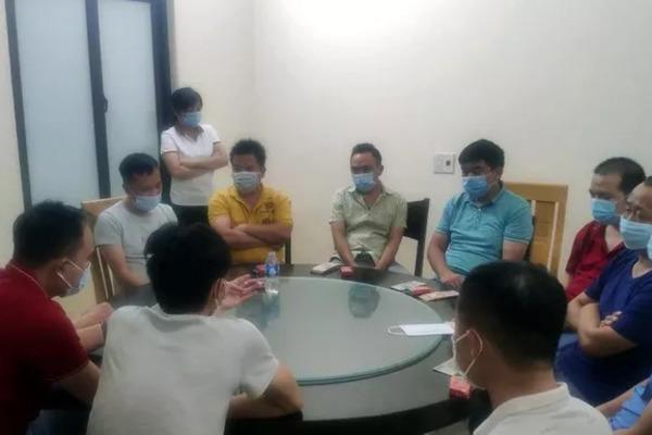 18 người Trung Quốc vẫn tụ tập ăn uống trong nhà hàng ở Hải Dương