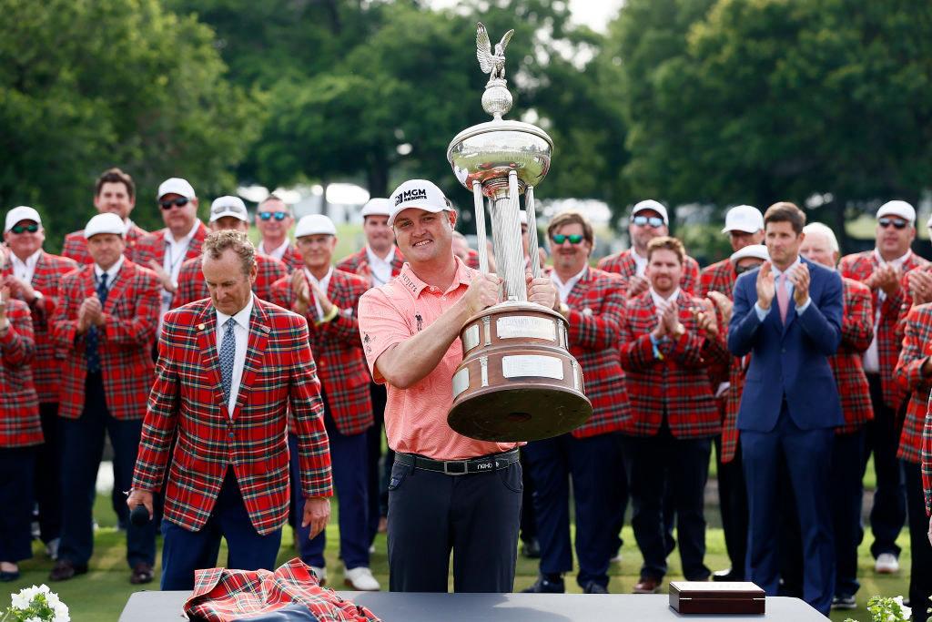 Kokrak gây bất ngờ ở giải golf Charles Schwab