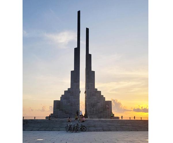 Nghinh Phong Tower – new symbol of Phu Yen tourism