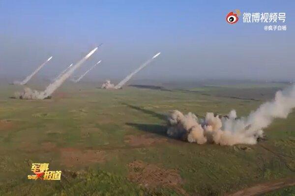 Trung Quốc đột ngột tổ chức tập trận bắn đạn thật