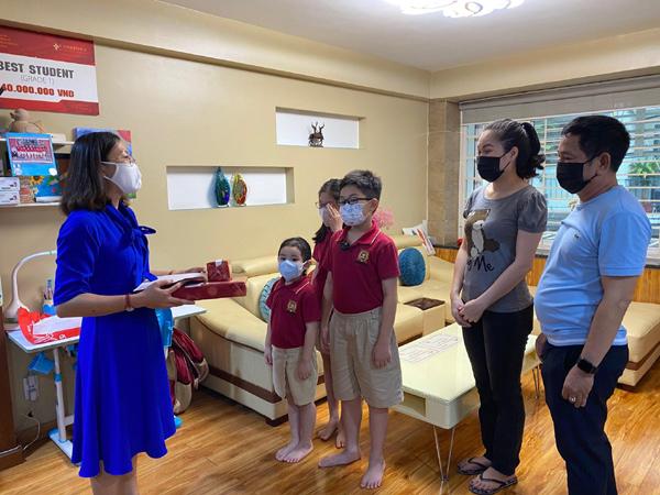 Khen thưởng 'tại nhà', VAS dạy học sinh ứng biến linh hoạt phòng Covid-19