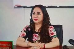Bà Phương Hằng khóc ngất trên livestream: 'Họ lấy quyền gì giẫm đạp tôi?'