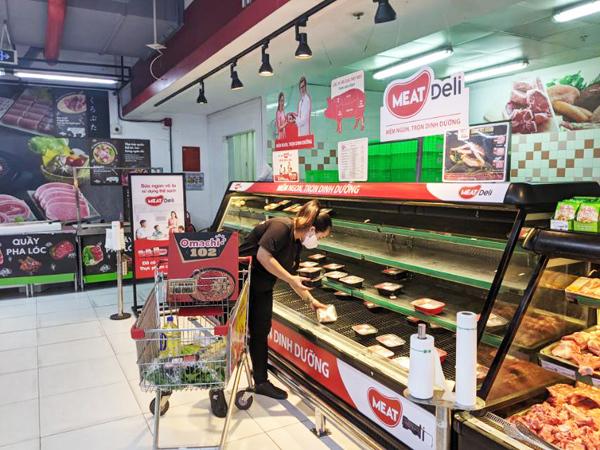 TP.HCM giãn cách xã hội: Thịt heo sạch, gà tươi 'cháy hàng'