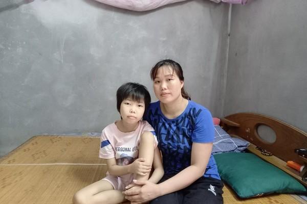 Cả nhà phải cách ly, bé gái ung thư cần giúp đỡ để có tiền tái khám