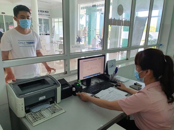Dùng ảnh thẻ BHYT trên ứng dụng VssID để khám chữa bệnh