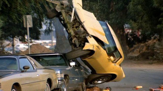 Phá hỏng hàng trăm chiếc xe ô tô chỉ để làm phim