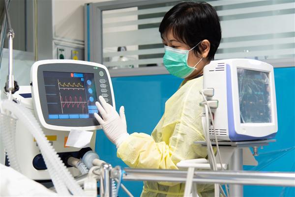 Sun Group hỗ trợ Bắc Ninh 50 tỷ đồng lắp đặt Trung tâm Hồi sức tích cực