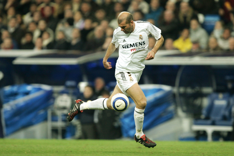 Zinedine Zidane và hành trình vĩ đại bắt đầu từ chiếc... khăn ăn