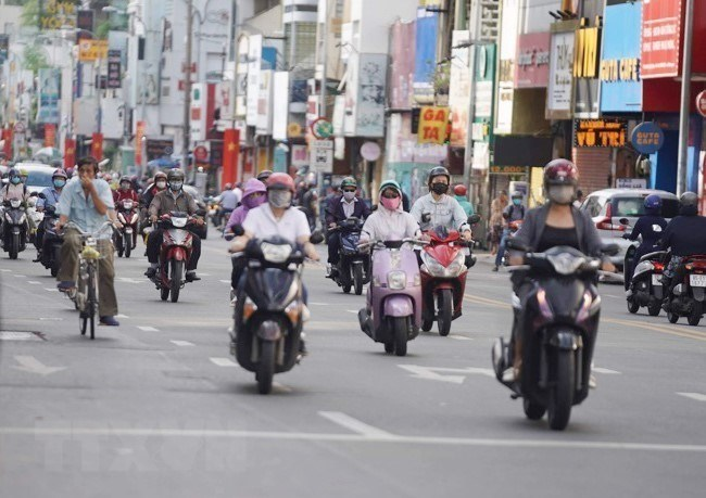 Ho Chi Minh City streets deserted on first day of social distancing