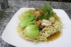 Stir-fried noodles:crunchy goodness