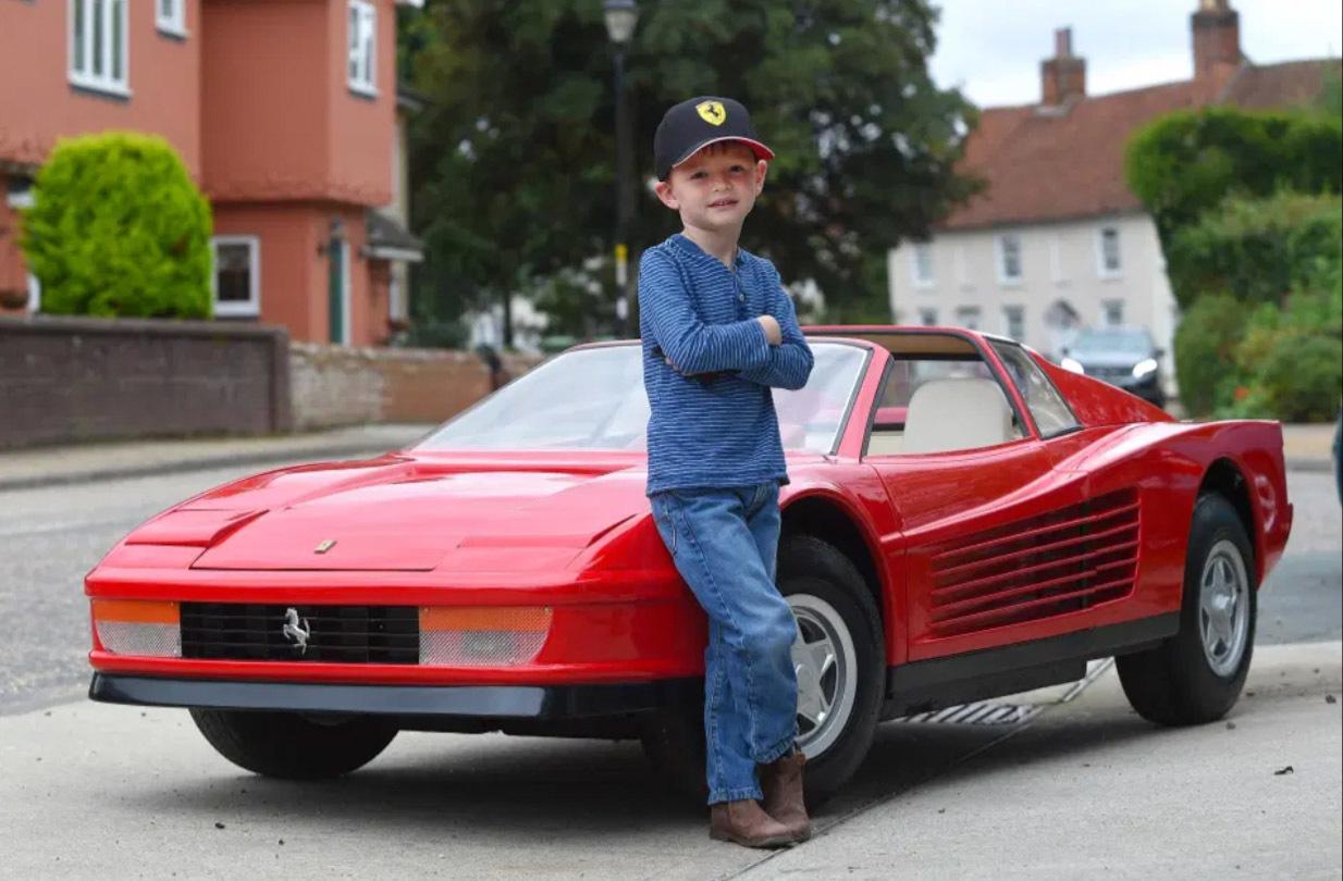 Những chiếc xe trẻ em đắt hơn cả ô tô hạng sang