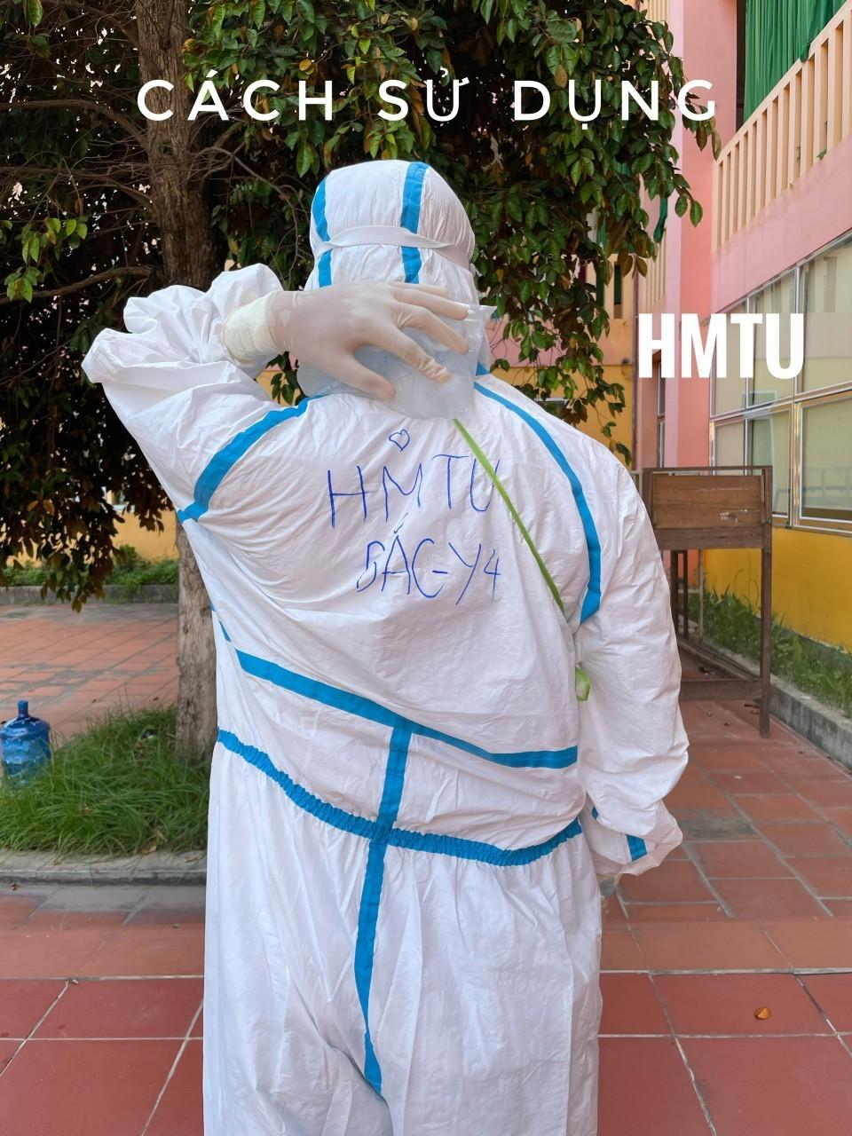 Lý do đội lấy mẫu tâm dịch Bắc Giang đeo túi đá trên người suốt ngày đêm