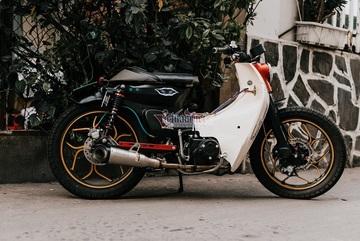 Honda Cub 50 lột xác với bản độ cực chất của dân chơi Sài Gòn