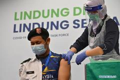Indonesia tăng vọt số ca nhiễm, WHO cảnh báo người dân châu Âu