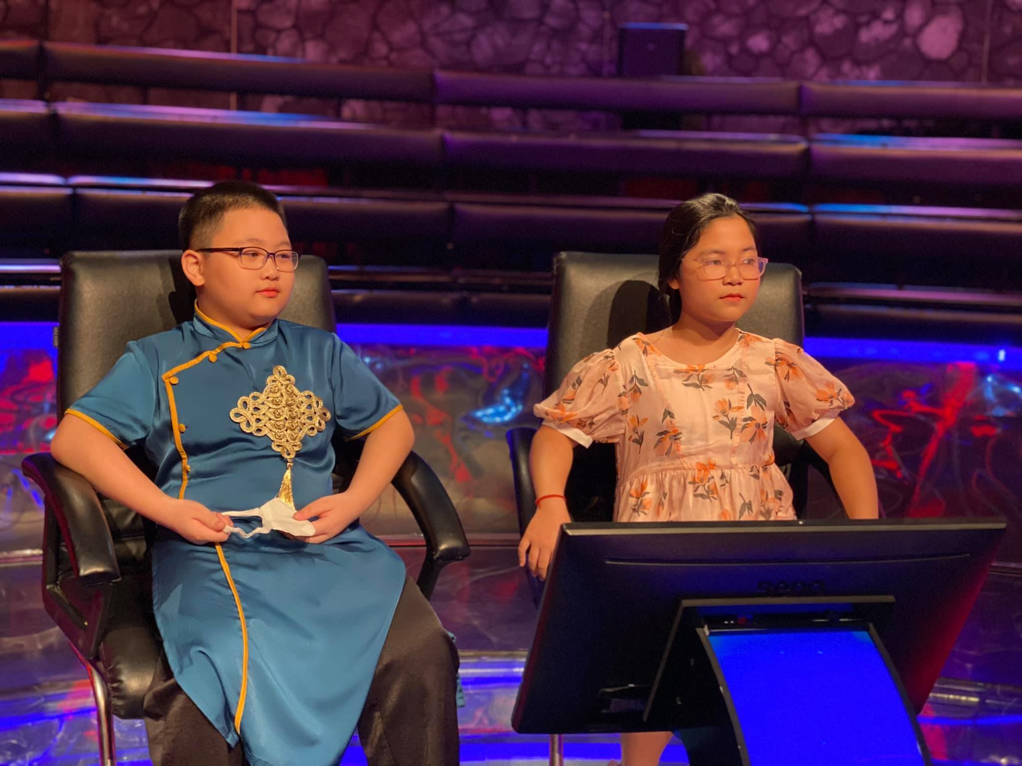 Hai bé 11 tuổi thắng 'Ai là triệu phú' khiến GS Xoay thán phục