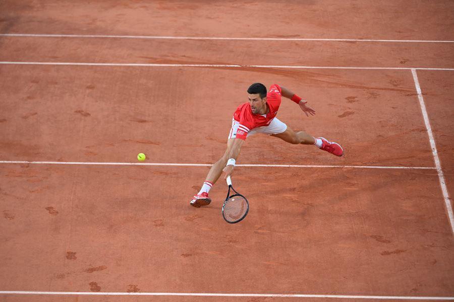 Djokovic thắng dễ trận ra quân Roland Garros 2021
