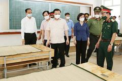 Bí thư Hà Nội yêu cầu đưa các khu cách ly tập trung ra xa nội thành