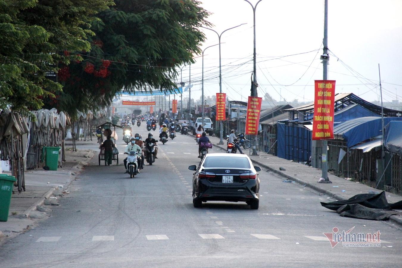 Hình ảnh chợ đêm nhộn nhịp nhất thành phố Quảng Ngãi trước giờ 'khai tử'