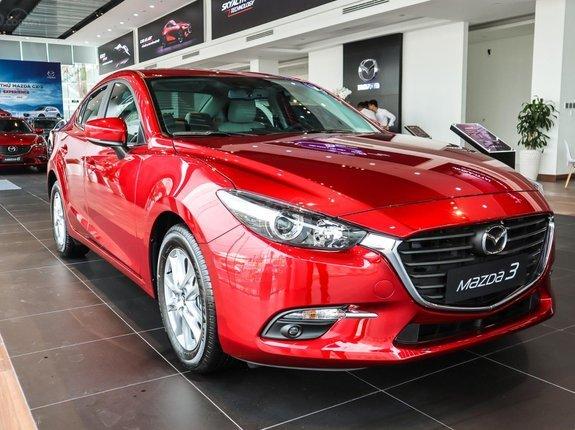 Giá ô tô tháng 6 vẫn giảm sốc, hạ tới trăm triệu đồng