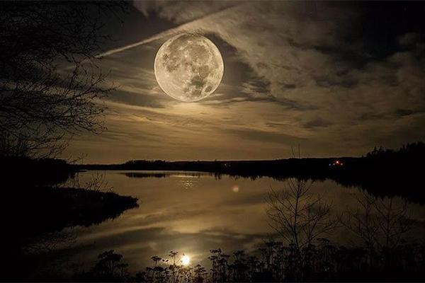 Nhật thực hình khuyên và siêu trăng sẽ xuất hiện trong tháng 6