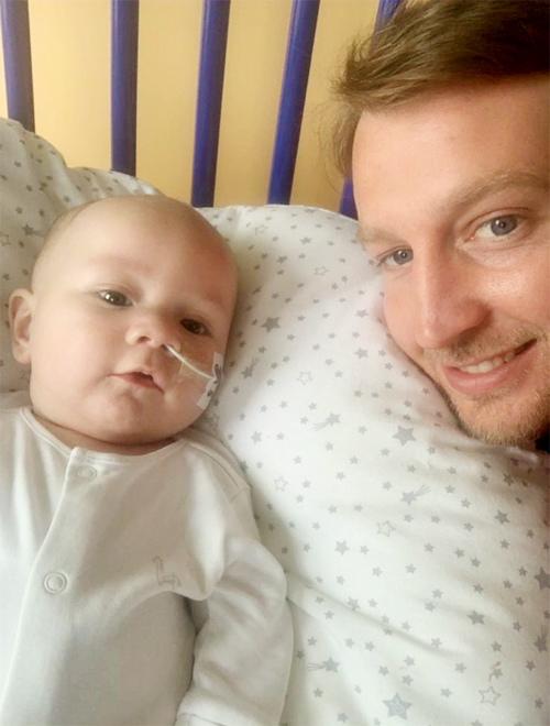 Bé 5 tháng tuổi được cứu sống nhờ liều thuốc giá ngang 1 biệt thự