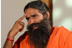 Bậc thầy Yoga Ấn Độ bị đòi truy tố, kiếm bộn tiền nhờ bán thuốc trị Covid-19