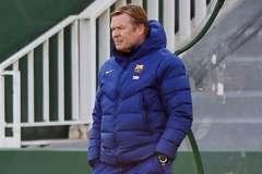 MU trở lại với Trippier, Koeman cắn răng ở lại Barca
