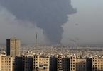 Nhà máy lọc dầu ở Iran bốc cháy bí ẩn