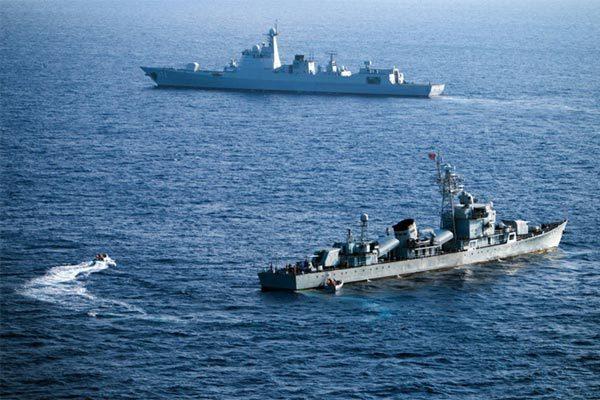 Trung Quốc tập trận ở vịnh Bắc Bộ, rục rịch kéo giàn khoan lớn ra Biển Đông
