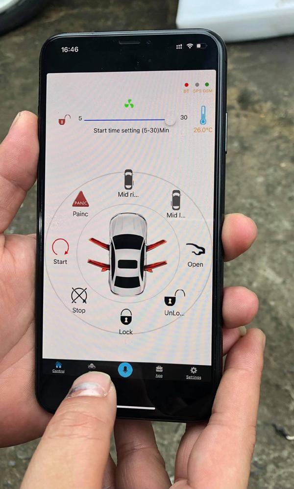 Khởi động từ xa, làm mát ô tô với StartStop Plus